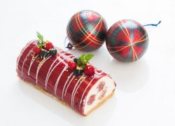recette-buche-noel-fruits-rouges-mousse-chocolat-blanc